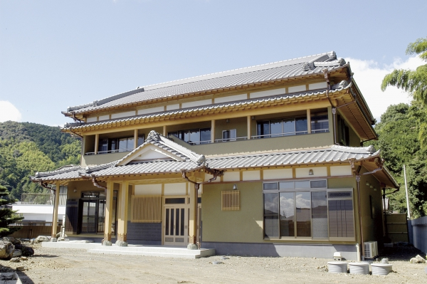 宮大工の技術が際立つ純和風住宅